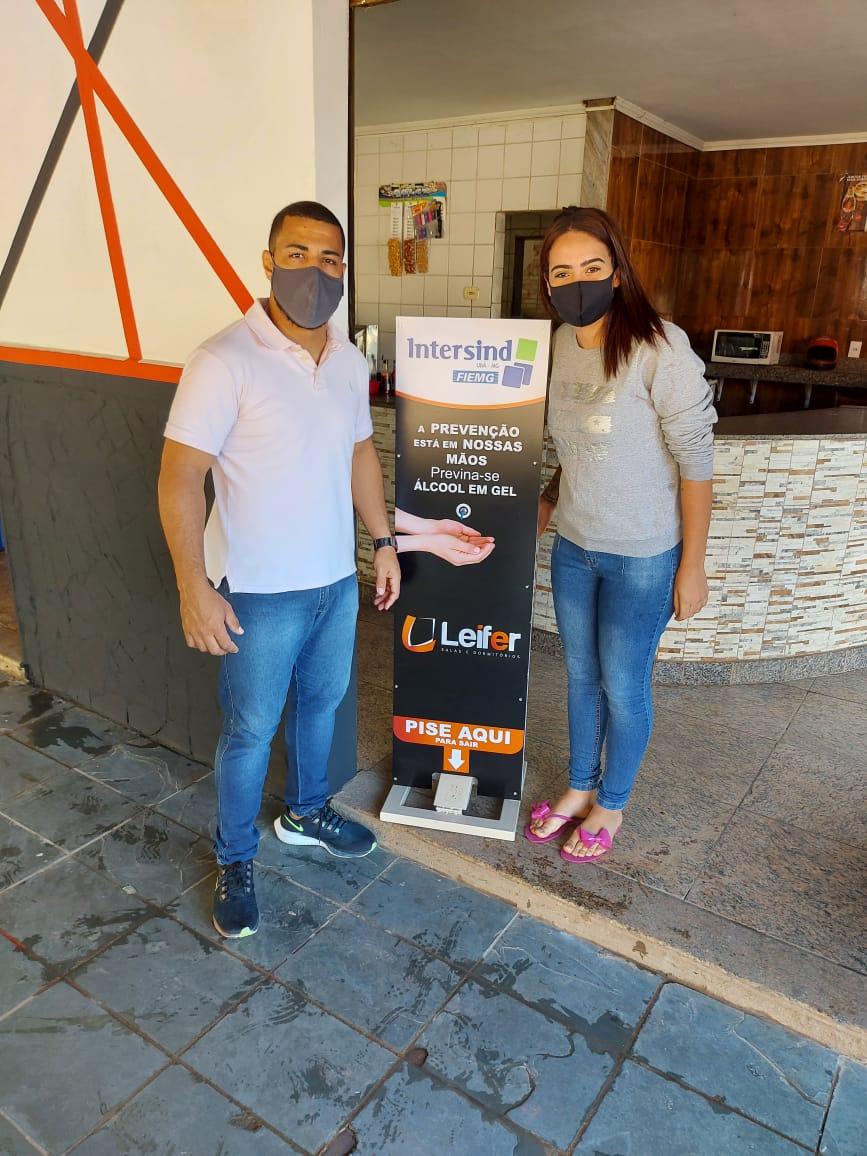 Campanha realizada pelo Intersind distribui totens de álcool gel em Rodeiro